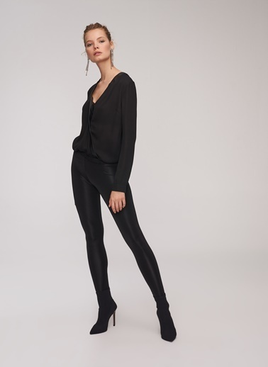 People By Fabrika Deri Detaylı Bluz Siyah
